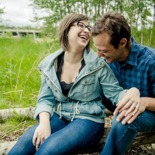 Barry & Deanna – Fun Outdoor Engagement