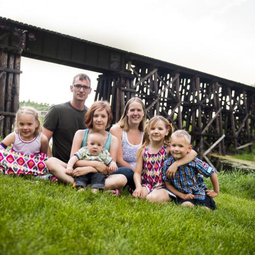Big Family Photos – Veteran's Contest Winner