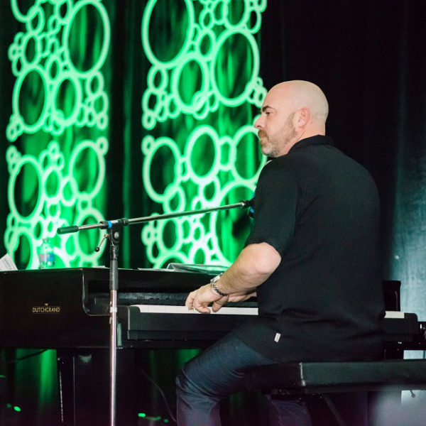 Duelling Pianos